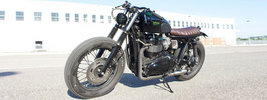 Iron Pirate Garage Brat Vintage Race Triumph Bonneville t100 2015